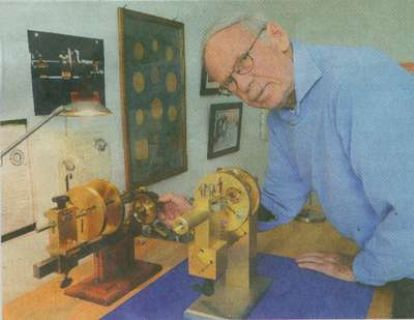 Thomas Engel with magnet motor 400